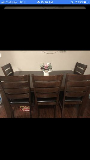 Dining table $150 for Sale in Huntington Beach, CA