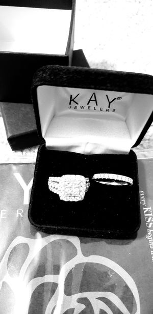 Engagement ring and wedding band for Sale in Aspen Hill, MD