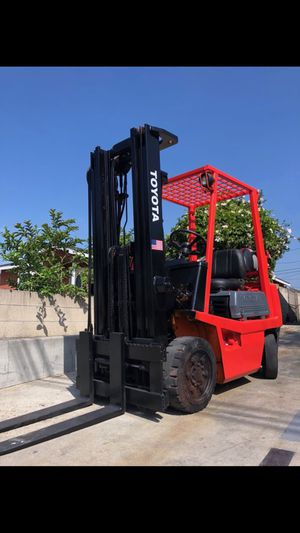 Toyota Forklift 4000 LBS SIDE SHIFT for Sale in Santa Ana, CA