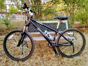 GIANT mountain bike for Sale in River Oaks, TX