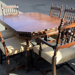 Antique Union Furniture Company Dining Set - Delivery Available for Sale in Tacoma,  WA