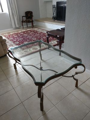 Coffee table for Sale in Payson, AZ