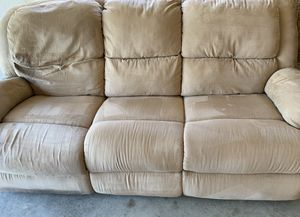 Automatic reclining couch! for Sale in Naples, FL