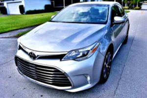 _2013 Toyota Avalon 3.5 V6 Keyless start for Sale in Holts Summit, MO