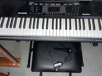 Electric Keyboard & Bench for Sale in Montesano,  WA