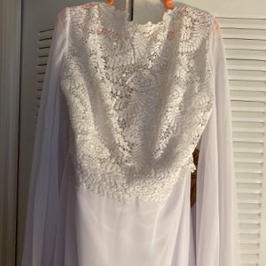 White Wedding Dress Size 18 for Sale in Alexandria, VA