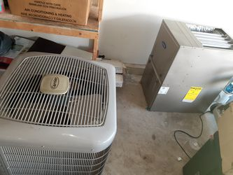 Full Carrier HVAC system, 3 parts, must take all for Sale in Laurel, MD