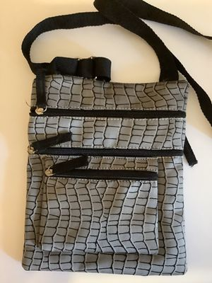 Lightweight crossbody bag for Sale in Beaumont, TX