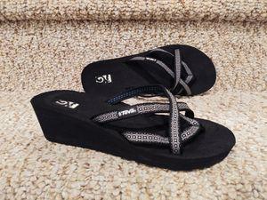 NEW Women's Size 8 TEVA Sandals [Retail $69] for Sale in Woodbridge, VA