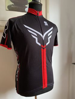 FELT Biking Jersey Fit Medium for Sale in Queens, NY