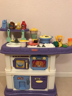 Fisher Price kids play kitchen set for Sale in Fresno, CA