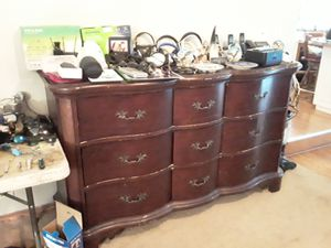 Antique dresser for Sale in Puyallup, WA