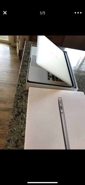 MacBook Air 2017 model 13 inch with apple care plus protection plan until jan 25 2021 for Sale in Lynnwood, WA