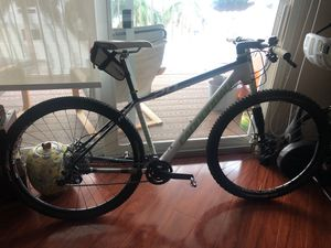 """Cannondale carbon mountain bike 29"""" great shape for Sale in Miami, FL"""