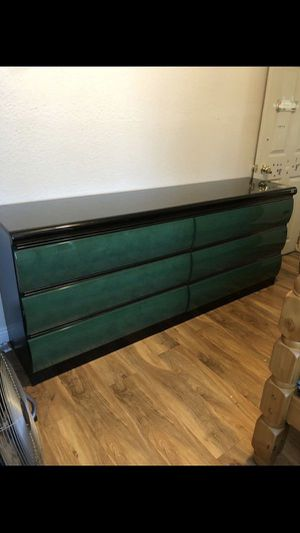 Long dresser for Sale in Pomona, CA