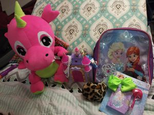 FROZEN PLAY SET JEWELRY AND MORE. PERFECT GIFT SET. Some Brand New Some Used for Sale in Dallas, TX