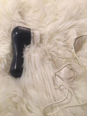 Clarisonic & Charger, just needs replacement brush for Sale in Portland, OR