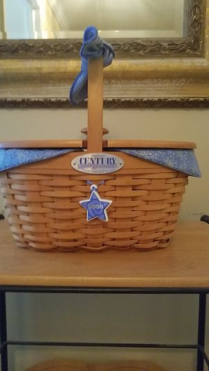 2000 Longaberger Centry Collections Club Basket for Sale in North Wales, PA