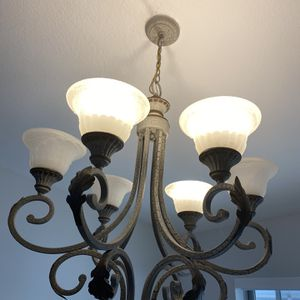 Rustic Chandelier for Sale in Hialeah, FL