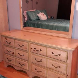 Girl's Bedroom Furniture Set for Sale in Lombard, IL