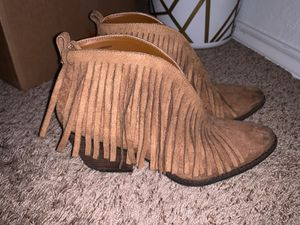 Fringe Booty size 10-11 for Sale in Lewisville, TX