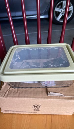 6 cups storage container for Sale in Fresno, CA