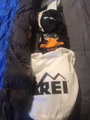 REI flash men's regular sleep bag and compression bag for Sale in Orange, CA