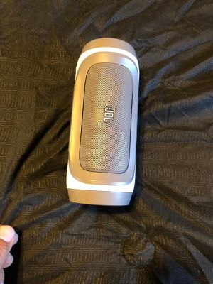 Bocinas jbl seminuevas $50 cada una for Sale in Carson, CA