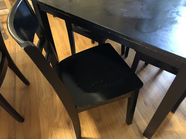Kitchen Table with 4 chairs - must go
