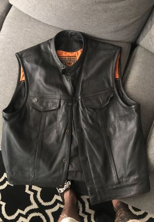 """Leather motorcycle vest """"club style"""" for Sale in Tempe, AZ"""