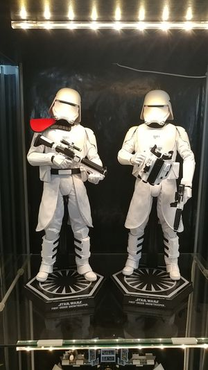 Hot Toys 1:6 scale First Order Snowtroopers for Sale in Las Vegas, NV