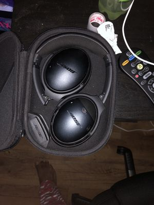 Bose quiet comfort 35 headphones for Sale in Columbus, OH