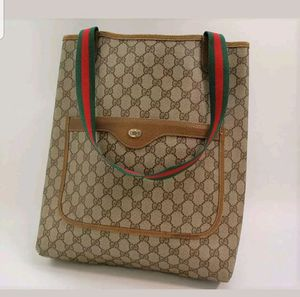 Auth Gucci Large tote shoulder bag for Sale in Chicago, IL
