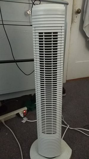 Honey well Tower fan for Sale in Seattle, WA
