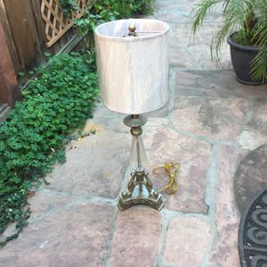 Antique table lamp 30 inches tall for Sale in Sunnyvale, CA