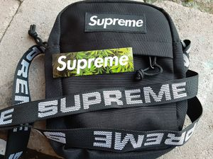 Supreme Cross Body SS18 NEW for Sale in Upland, CA