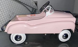 OYS, DOLLS, GAMES & PUZZLES PEDAL CAR DIP SIDE STYLE METAL BODY MORGAN CYCLE 3-8 YRS PINK for Sale in El Monte, CA
