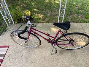 Schwinn World Sport Women's Road Bike for Sale in North Olmsted, OH