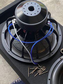 2 18's Skar Audio EVL for Sale in Fife,  WA