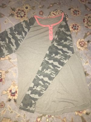 Gently used girls clothing, mostly all mediums for Sale in La Vergne, TN