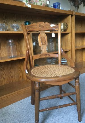 Vintage Accent Chair for Sale in Lynchburg, VA