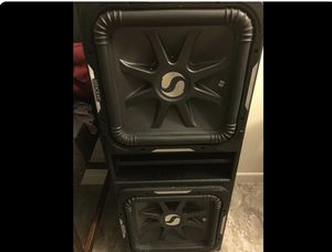2 Kicker L7 12 subwoofers in box for Sale in Chicago, IL