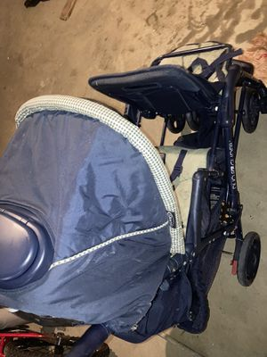Double stroller for two kids for Sale in Hazelwood, MO
