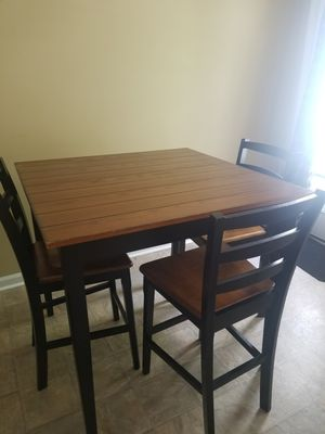 Bar tabletop with 4 chairs for Sale in Smyrna, TN