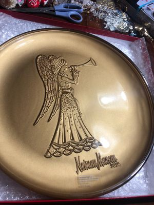 Neiman Marcus Collectors plate Brand New never used 2016 for Sale in Garland, TX