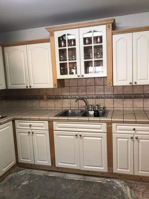 Kitchen island and cabinetry for Sale in Palmetto Bay, FL
