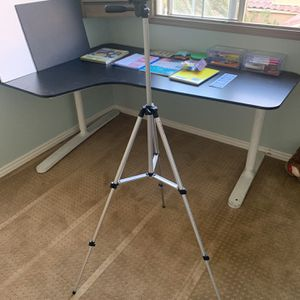 Light Weight Tripod for Sale in Las Vegas, NV
