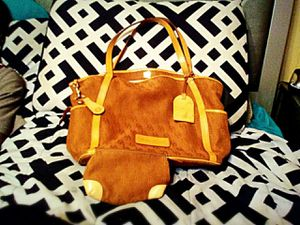 Authentic Dooney and Bourke Tote with coin bag for Sale in Benton, AR