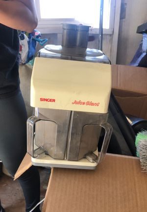 Juicer kitchen appliance going for 15 or best offer for Sale in Placentia, CA