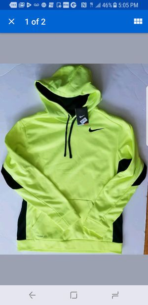 Nike Therma Fit Neon Yellow NEW Mens Large Hoodie for Sale in Boston, MA